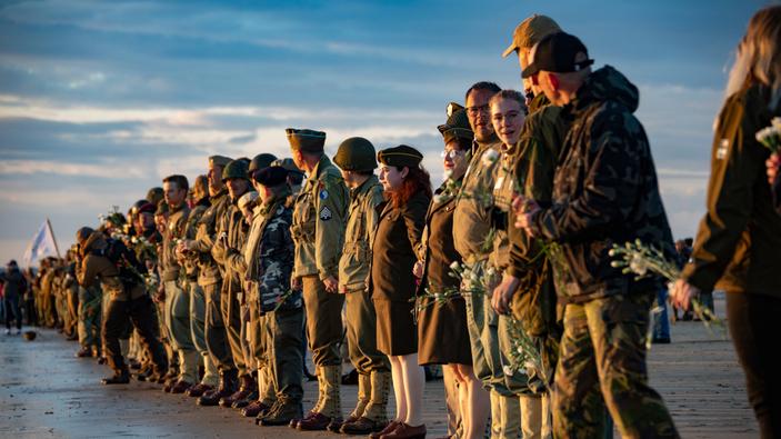 Leader mondiali e veterani celebrano il 75<sup>esimo</sup> anniversario dello Sbarco in Normandia