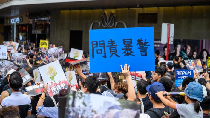 La dirigeante de Hong Kong s'excuse pour le projet de loi sur l'extradition qui a causé des manifestations monstres