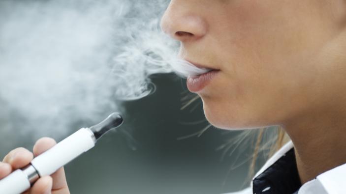 San Francisco devient la première ville américaine à interdire les cigarettes électroniques