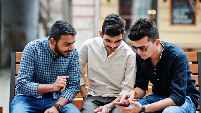 Mann mit Anrufen überhäuft, nachdem seine Telefonnummer in einem Bollywood-Film veröffentlicht wurde