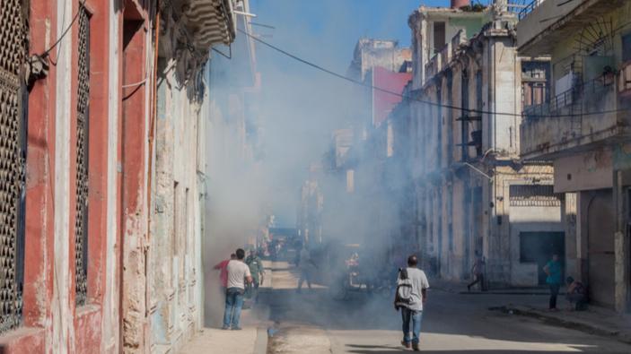 Uno studio rivela che il malessere accusato da alcuni diplomatici a Cuba potrebbe essere dipeso dalla fumigazione contro le zanzare