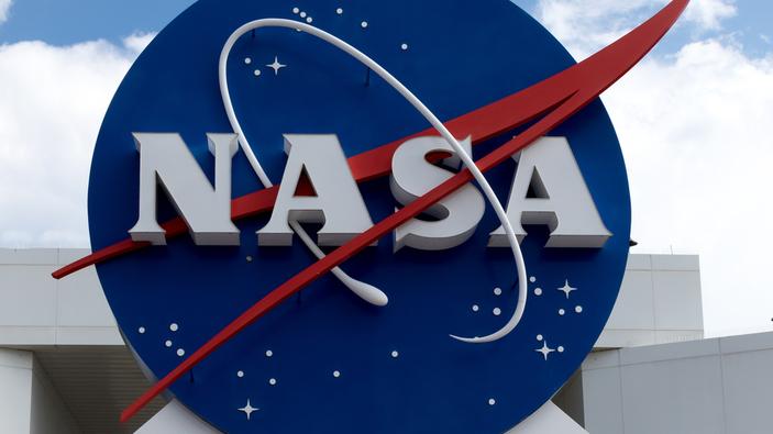 La NASA presenta los nuevos trajes espaciales para ir a la Luna