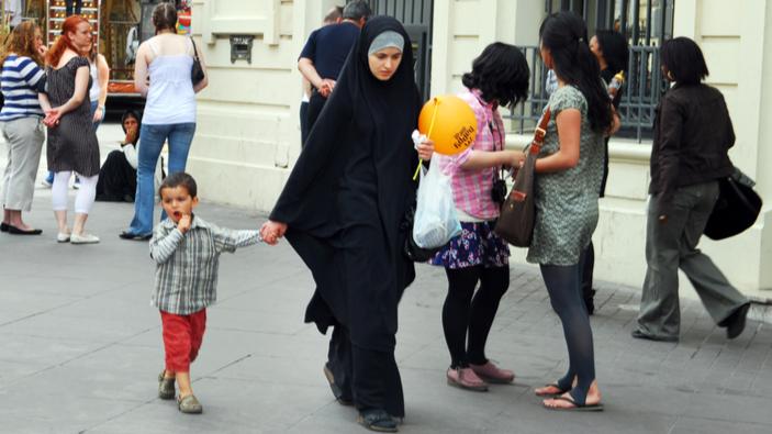 Le voile islamique de retour dans le débat public