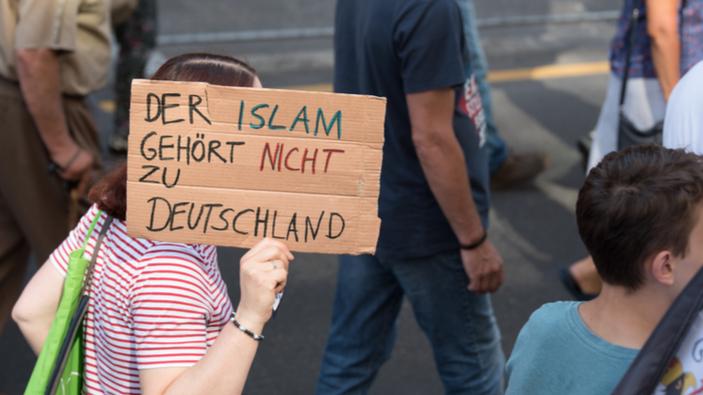 "Dresden ruft ""Nazinotstand"" aus"