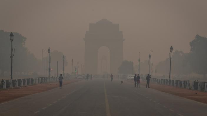 Nueva Delhi se ahoga en una nube de esmog