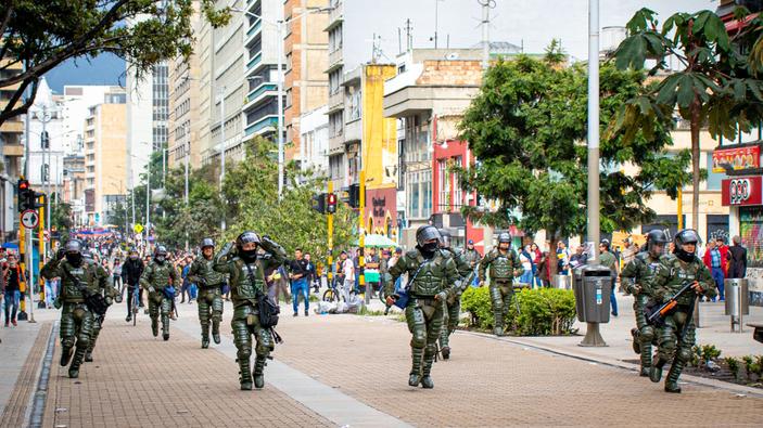 """Una """"epidemia"""" de protestas regionales se extiende hasta Colombia"""