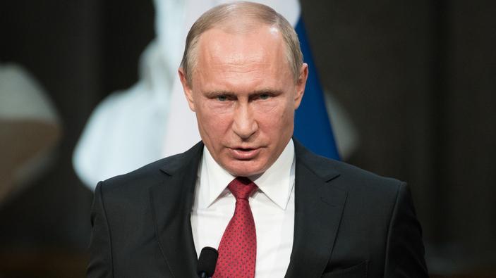 """Putin amplia la legge sugli """"Agenti Stranieri"""" per colpire i giornalisti"""
