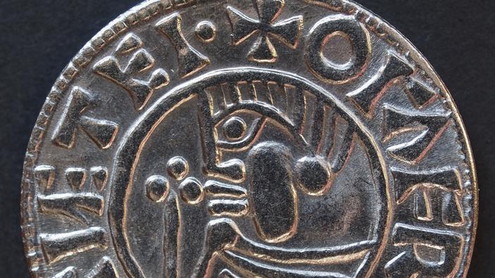 Cercatori di tesori inglesi arrestati per il furto di un tesoro dell'era vichinga