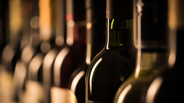 Vanno all'asta i vini di lusso scampati alla tragedia dell'Hotel Rigopiano