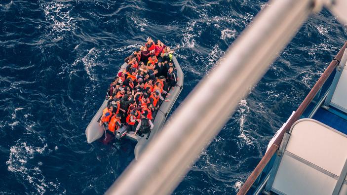 Cae en un 50% la inmigración irregular en España