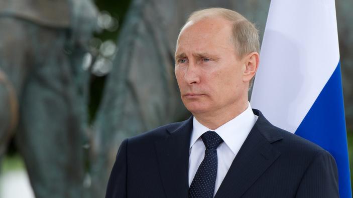 Putin plant Machterhalt, Russlands Regierung tritt zurück