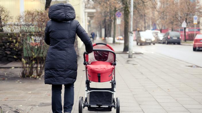 La baisse de la natalité continue en France