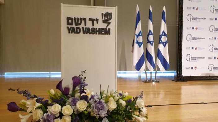 Forum internazionale sull'Olocausto, il Presidente Mattarella elogia Liliana Segre