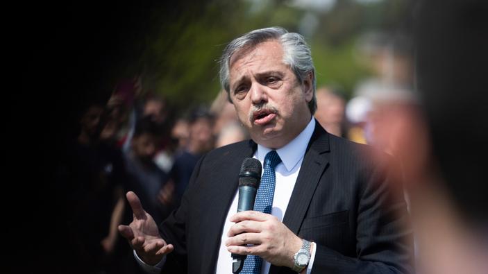 Fernández visita Israel en su primer viaje oficial como presidente