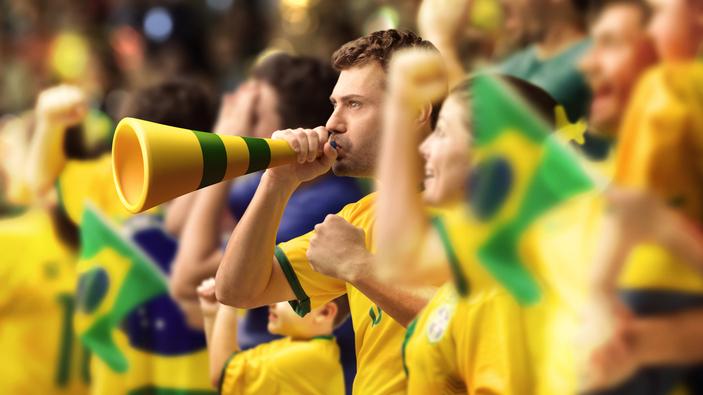 Los fanáticos del fútbol ponen en riesgo su salud