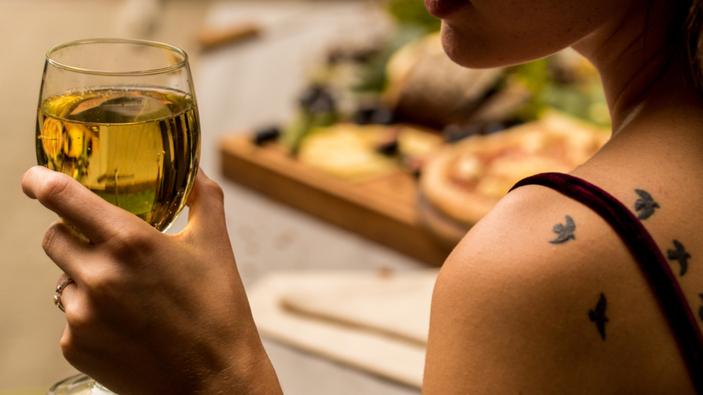 Polemiche sulla campagna contro l'abuso di alcol della Regione Sicilia