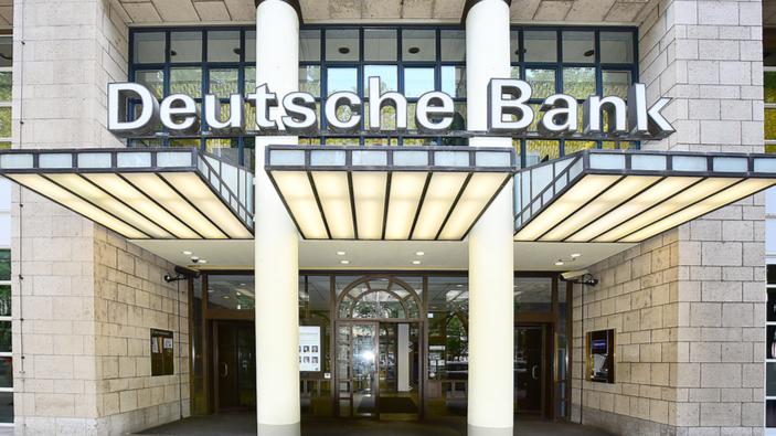Deutsche Bank gibt Millionenbonus an Vorstand trotz mehrfachem Milliardenverlust