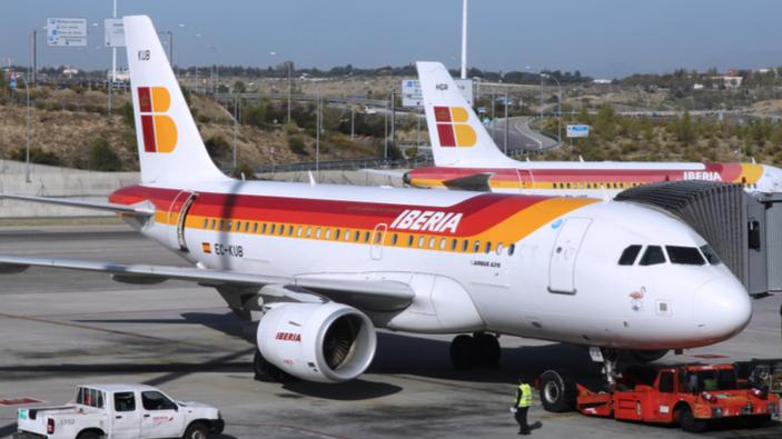 El aeropuerto de Madrid-Barajas permaneció cerrado durante más de una hora