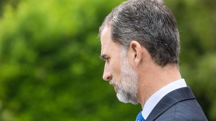 El rey de España renuncia a la herencia de su padre