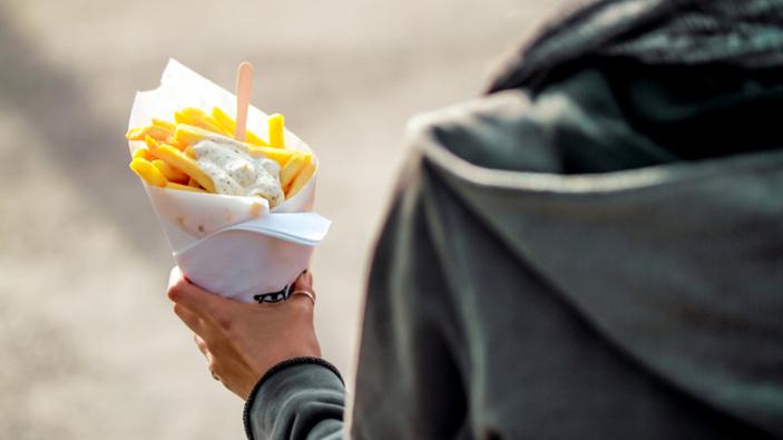 Il Belgio raccomanda di mangiare più patate fritte per aiutare gli agricoltori