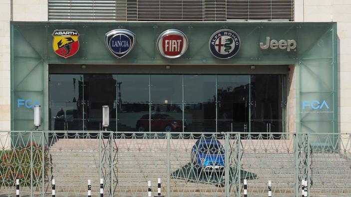 La richiesta di aiuti finanziari di Fiat Chrysler Automobiles divide l'Italia