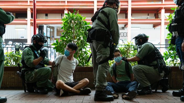"""Erste Verhaftungen in Hongkong nach Inkrafttreten des neuen """"Anti-Protest""""-Gesetzes"""