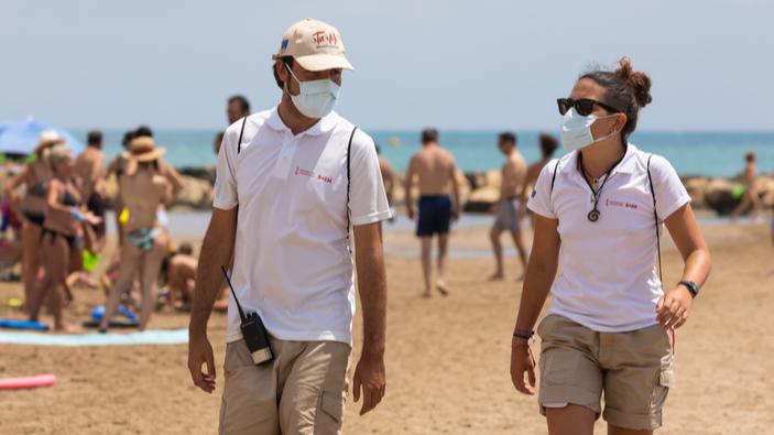 España lucha por salvar el turismo mientras aumentan los casos de Covid