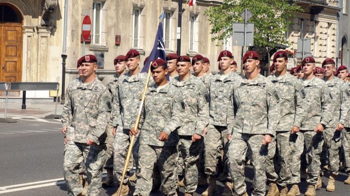 Die Vereinigten Staaten und Polen unterzeichnen Verteidigungsabkommen
