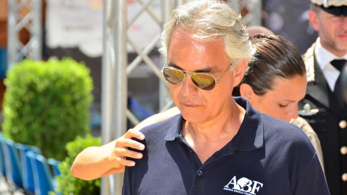 """Polemiche per l'intervento di Andrea Bocelli al convegno """"negazionista sul Covid"""""""