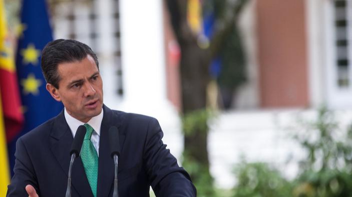 Fiscales mexicanos investigan a ex-presidente por corrupción