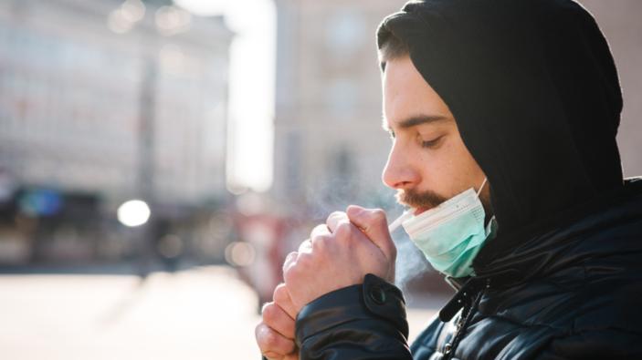 Prohibición de fumar en espacios abiertos