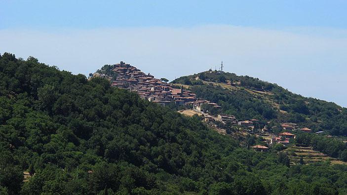 Montelaterone, il borgo medioevale che lotta contro lo spopolamento