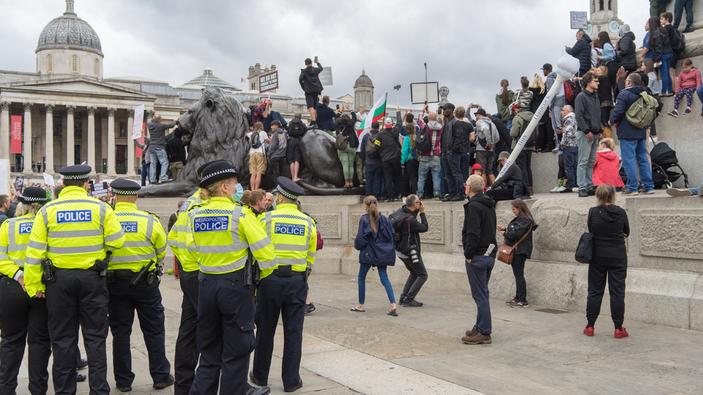 Manifestations contre les mesures gouvernementales anti-Covid en Europe