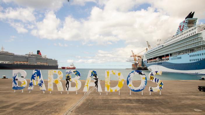Barbados busca dejar atrás su pasado colonial