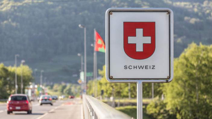 Referendum: Schweizer lehnen Ende der Freizügigkeit für EU-Bürger ab