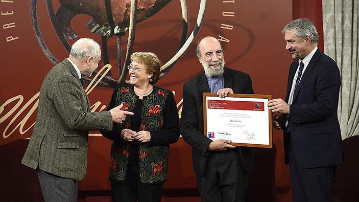 Raúl Zurita recibe el Premio Reina Sofía de Poesía Iberoamericana