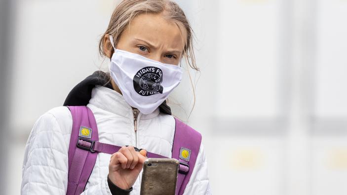« Ne brûlez pas mon avenir » : des milliers de jeunes manifestent pour le climat