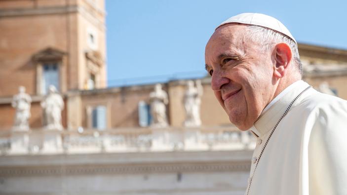 Papa Francesco, favorevole alle unioni civili tra persone dello stesso sesso