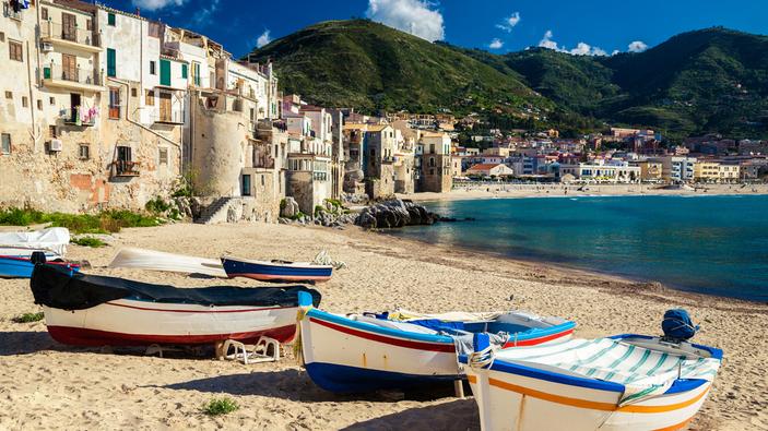 La Sicilia diventa la prima regione <i>plastic-free</i> d'Italia