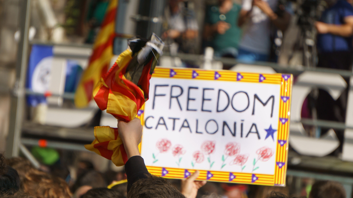 Burla de la Embajada de Rusia en España por el supuesto envío de soldados a Cataluña