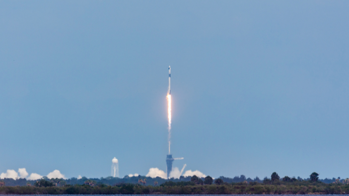 Le succès de SpaceX, un nouveau pas vers les vols spatiaux privés ?