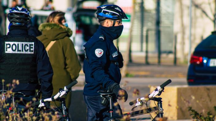 Francia redactará de nuevo las propuestas de ley de seguridad relativas a la publicación de vídeos sobre agentes de policía
