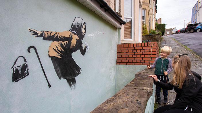 ¡Banksy golpea de nuevo a la pandemia!