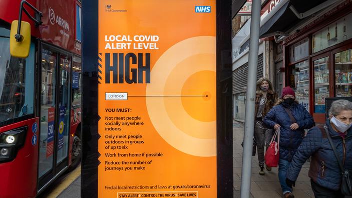 Juste à temps pour les fêtes, une nouvelle souche du Covid-19 apparaît au Royaume-Uni