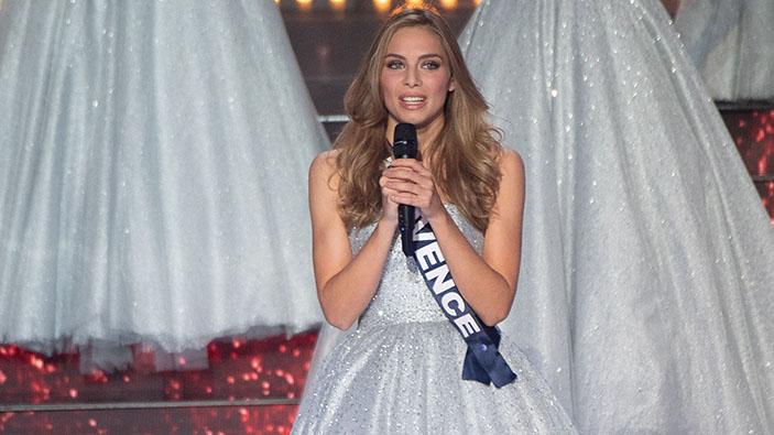 La competidora de Miss Francia 2021 April Benayoum víctima de ataque antisemita en Twitter