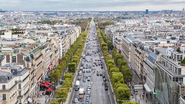 Les Champs-Élysées à la recherche d'une splendeur perdue