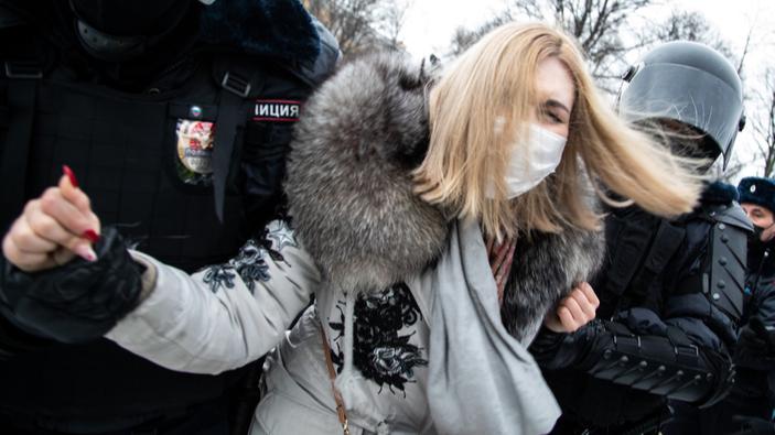 Miles de manifestantes rusos protestan en defensa de Alekséi Navalny