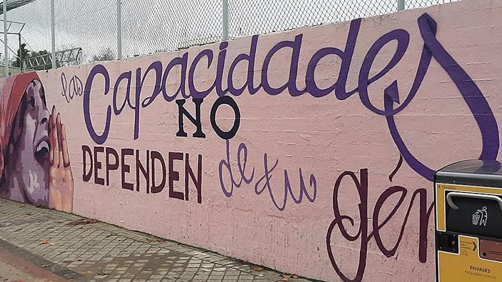 La derecha madrileña intenta borrar un mural feminista