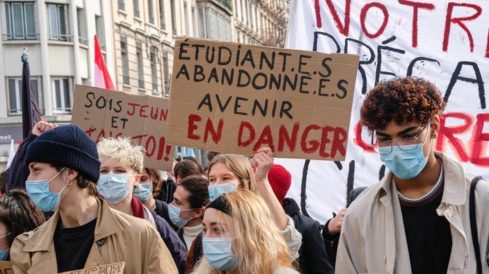 Mobilisation générale en France pour aider les étudiants