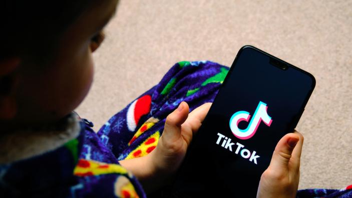 L'Italia chiede a TikTok misure più severe per la tutela dei minori